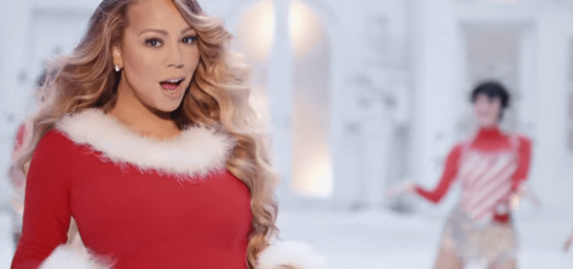 """Mariah Carey, ecco il NUOVO VIDEO di """"All I Want For Christmas Is You"""". (VIDEO)"""